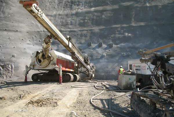 Tratamiento mediante bulones de la boca Norte del túnel de Pajares de línea alta velocidad-Asturias