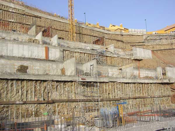 Muro de micropilotes anclado en Torreblanca de Fuengirola - Málaga